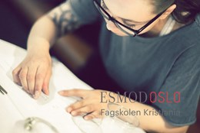 Motedesign- og modellismemedarbeider